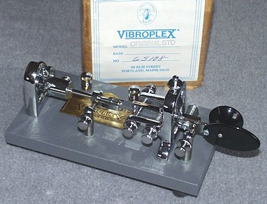 Dennis K6DF's 1990 Vibroplex Semi-Automatic (Bug) Key.  Click to go to its page on Dennis' website